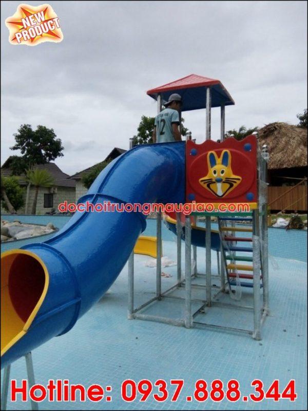 Cầu trượt hồ bơi đẹp và chất lượng với giá rẻ tại HCM