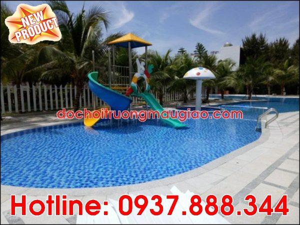 Cầu tuột hồ bơi cùng vòi phun nước hình nấm trang trí đẹp mắt với giá rẻ tại HCM