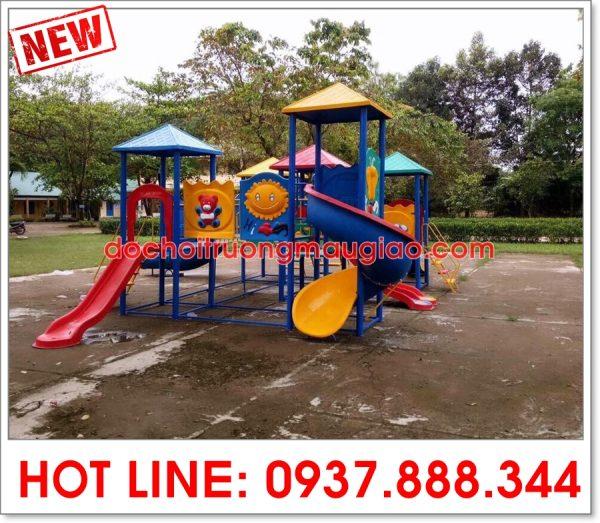 Cầu trượt liên hoàn dành cho các trẻ nhỏ ở công viên của cty Vân Anh