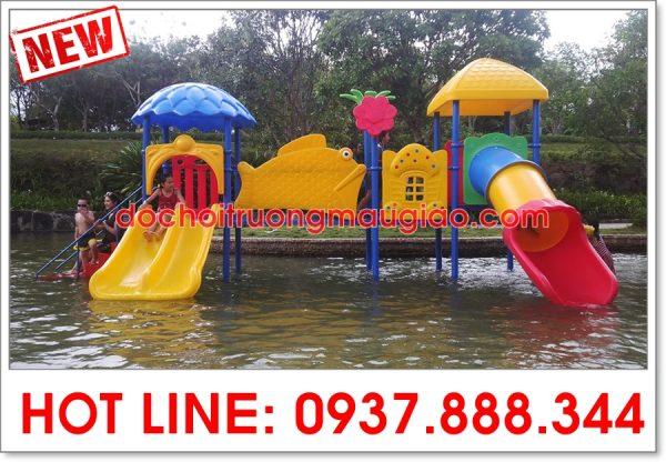 Cầu trượt liên hoàn của Cty Vân Anh được sử dụng cho hồ bơi