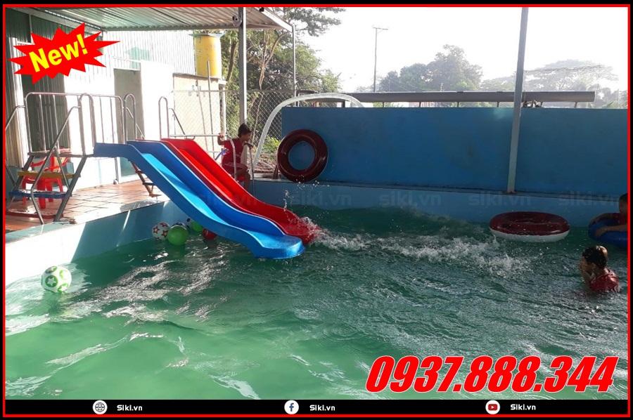 Các lợi ích khi sử dụng cầu trượt hồ bơi ngoài trời cho bé