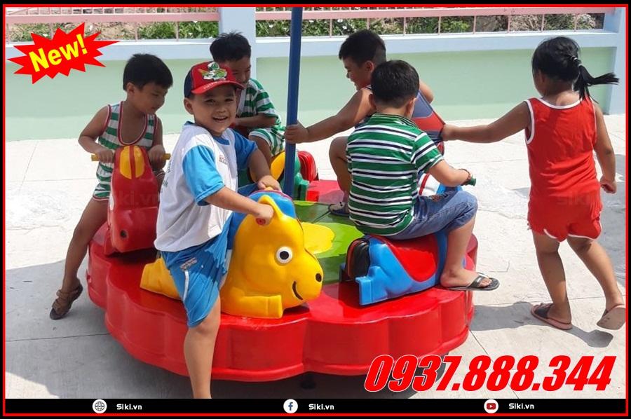 Lợi ích khi cho bé chơi đu quay trẻ em
