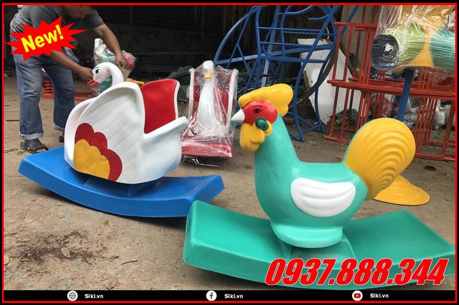 Sử dụng đồ chơi bập bênh cho trẻ em có an toàn không?