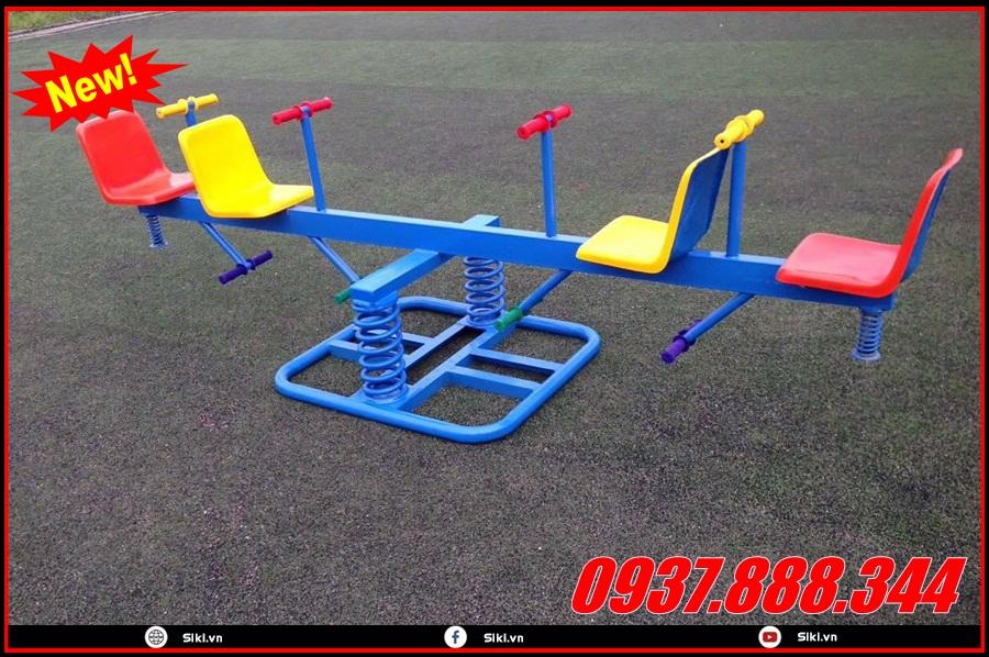 Trẻ em bao nhiêu tuổi có thể sử dụng ghế bập bênh?