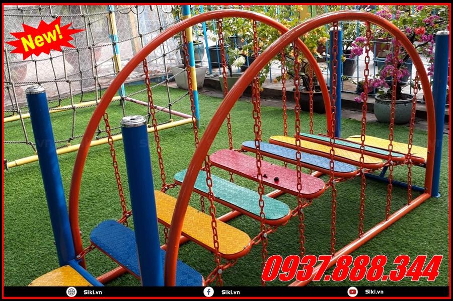 Trẻ em khoảng độ tuổi bao nhiêu có thể chơi được sản phẩm thang leo mầm non?